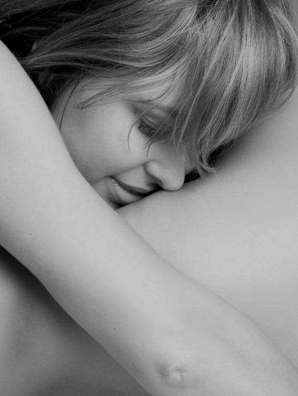 """Sängyssä ei kannata keskittyä vaatimaan vaan nauttimaan. Kuva: <span class=""""photographer"""">Colourbox</span>"""