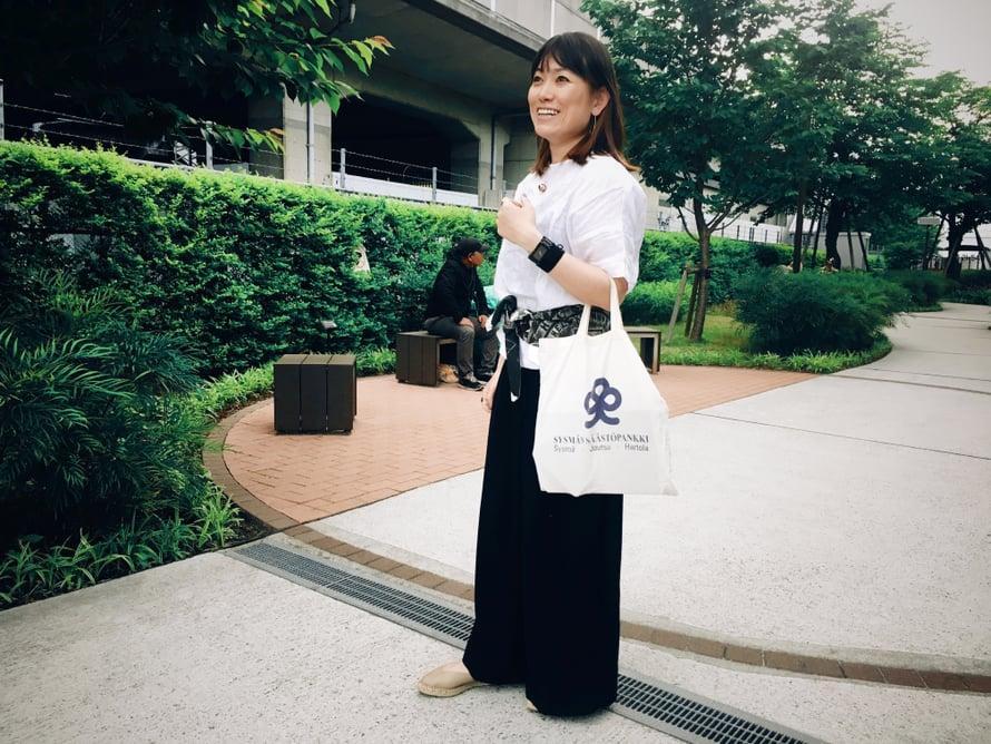 Vapaa-ajallaan Yoko tykkää surffata ja matkustaa sekä tavata erilaisia ihmisiä.