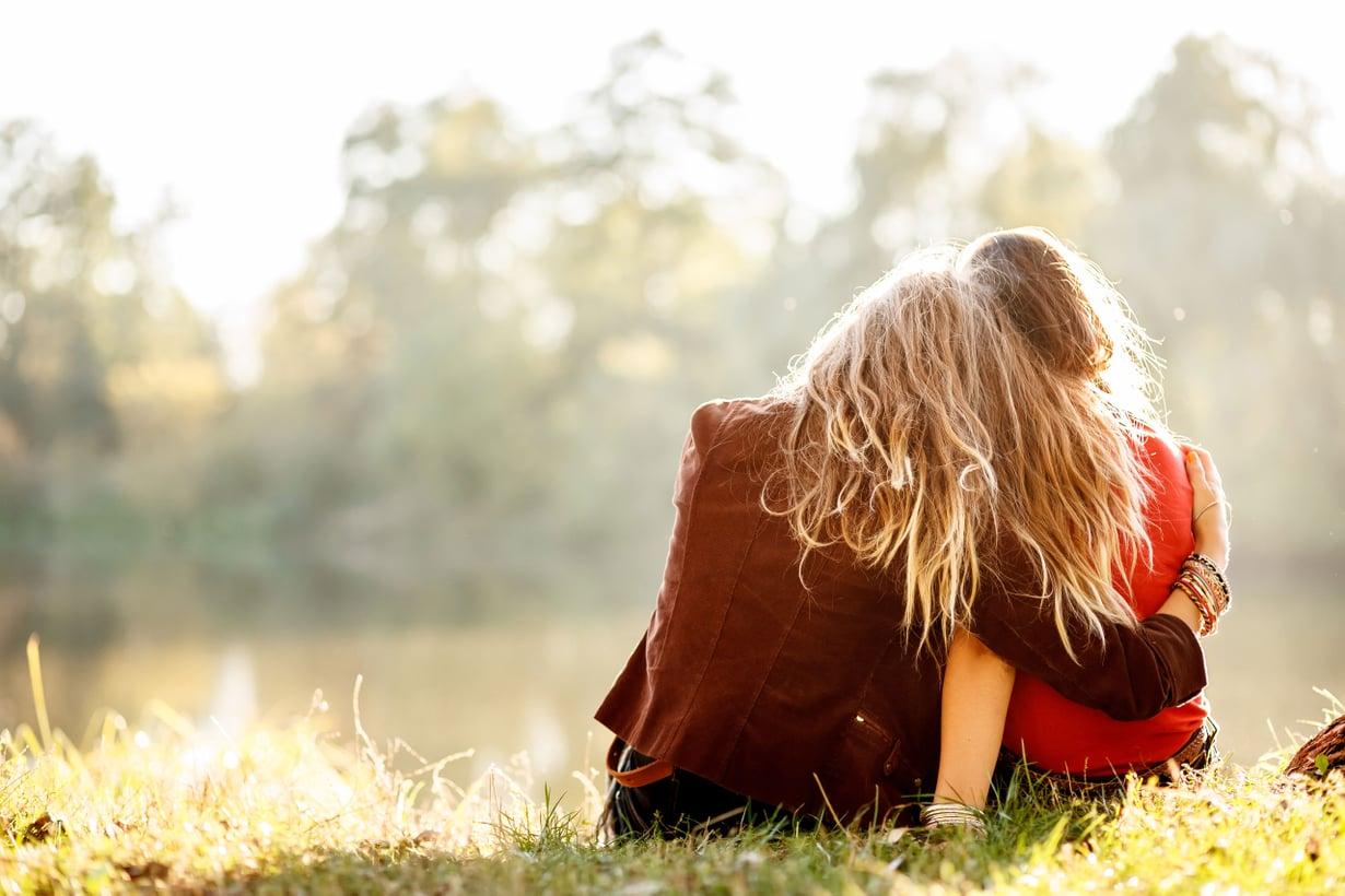 He ovat juuri syventyneet keskusteluun rakkauden syvimmästä olemuksesta. Kuva: Shutterstock