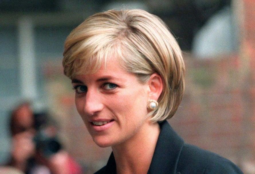 Kesäkuussa 1997 Diana nähtiin kauniissa polkkatukassa. Prinsessa menehtyi autokolarissa vain kaksi ja puoli kuukautta myöhemmin.