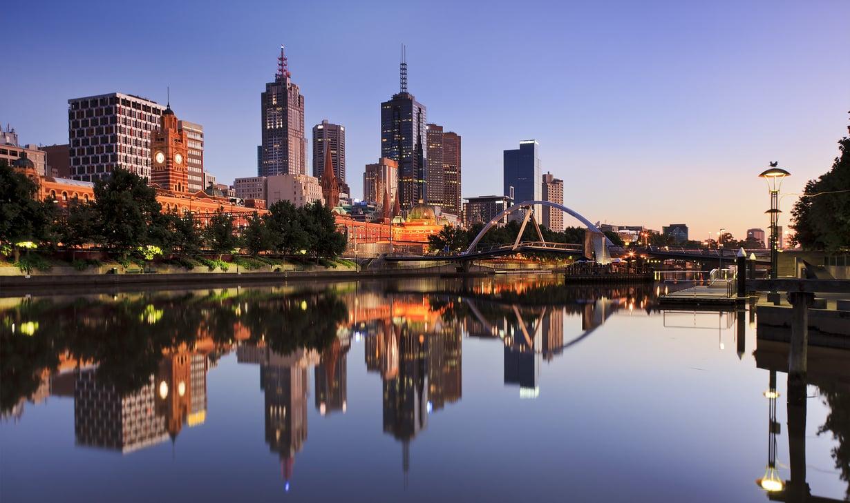 Melbournen ydinkeskusta eli CBD on sekoitus pilvenpiirtäjiä ja vanhoja rakennuksia.