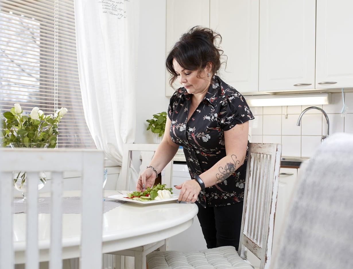 Noin kahdella miljoonalla aikuisikäisistä suomalaisista on kohonnut verenpaine. Tanja oli yksi heistä ennen kuin muutti elintapojaan.