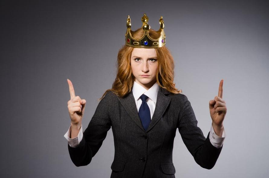 """""""Ja tänään kaikki laittavat päähänsä kruunun. Sopii mulle, sopii myös muille!"""" Kuva: Shutterstock"""