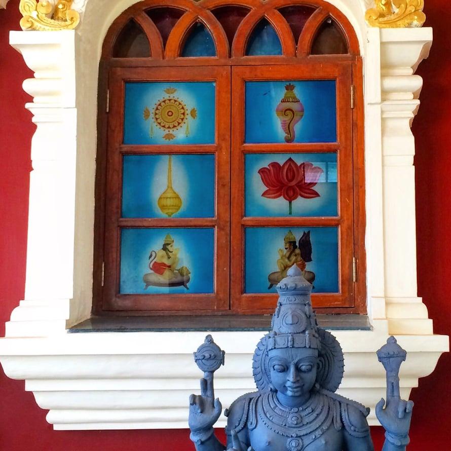 Kuvat ovat Goan keväästä 2016. Shree Gramdev Laxminarayan Shiroti Khola -temppelistä.
