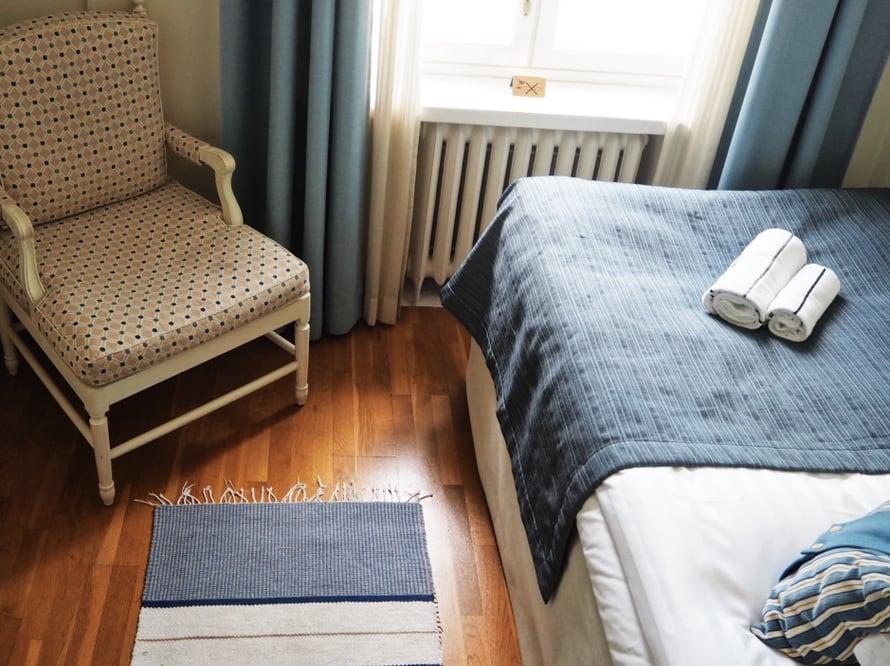 Pikku Kustavi on yhden hengen huone.
