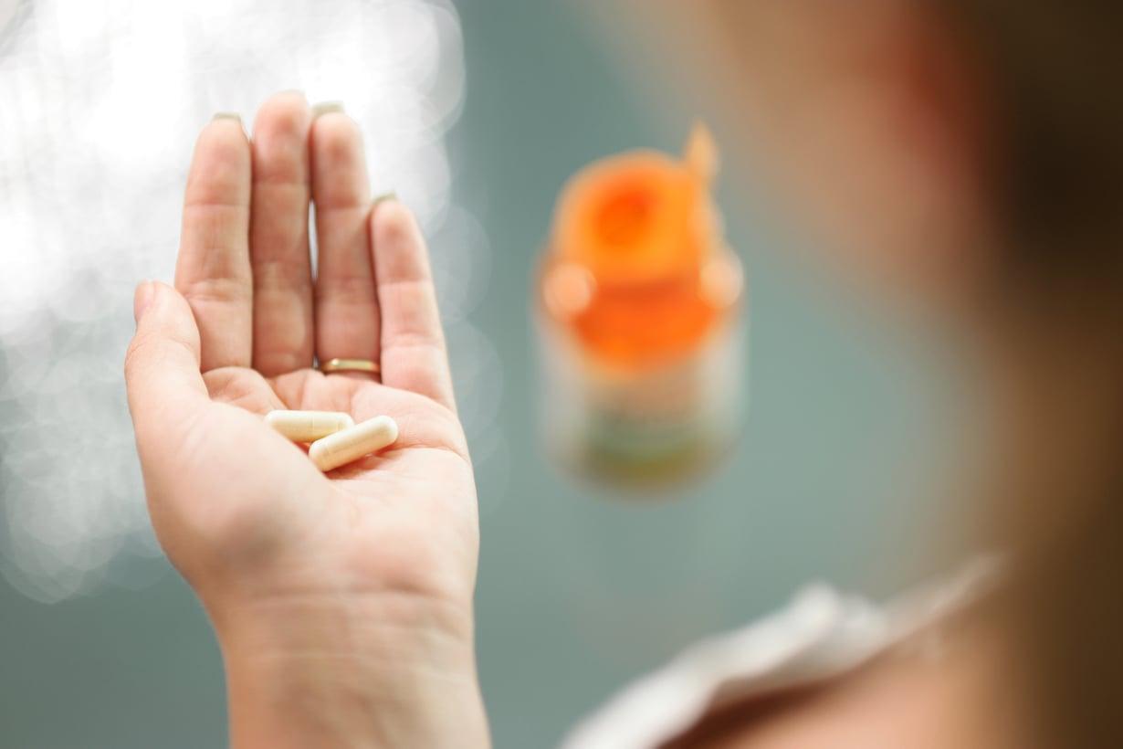 PIllereitä ei asiantuntijan mukaan kannata kurottaa useasta eri purkista! Kuva: Colourbox