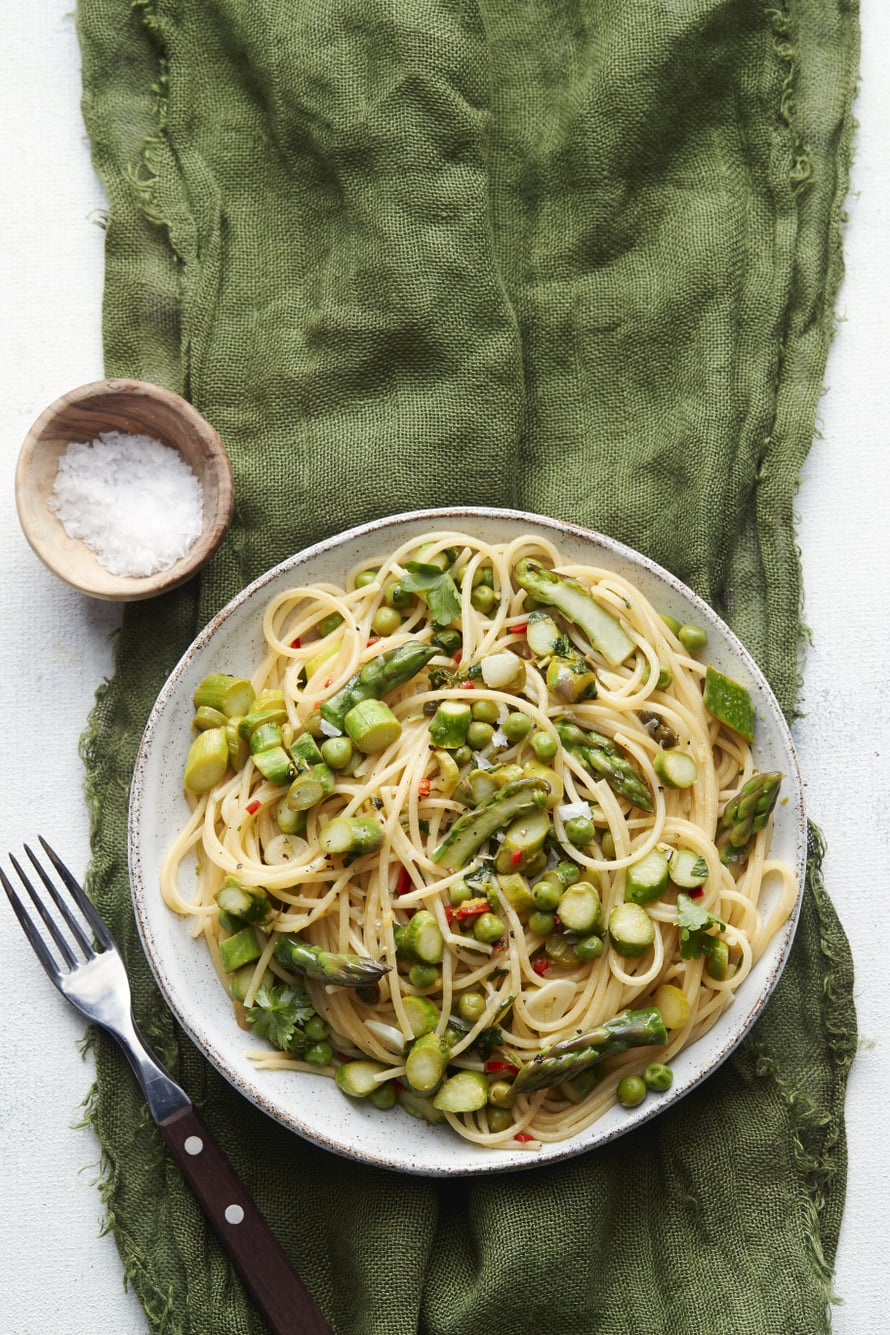 Ihanan pikapastan kastike on kaikessa simppeliydessään vain öljyä, sitruunamehua ja pastan keitinvettä.