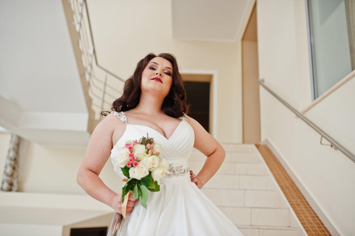 Se Oikea hääpuku voi löytyä paitsi rekistä valmiina, myös pienentämällä tai suurentamalla hieman väärän kokoista pukua. Kuva: Shutterstock
