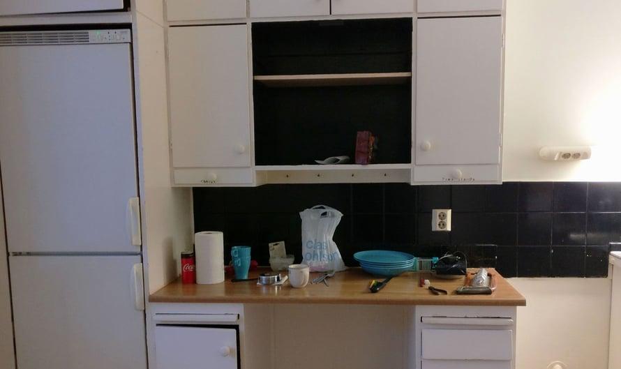 Tältä Maaritin ja hänen puolisonsa flippauskohteen keittiö näytti ennen remonttia...