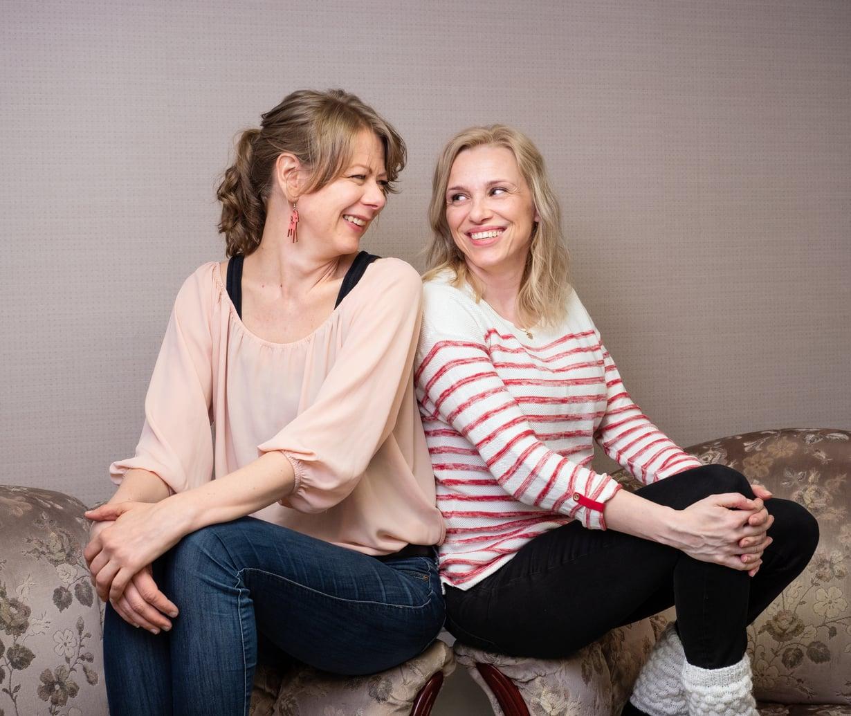 Älä suorita, älä uuvu. Siinä Laura Ruotsalaisen (vas.) ja Susanna Tiljanderin tärkeimmät ohjeet itselleen ja toisilleen.