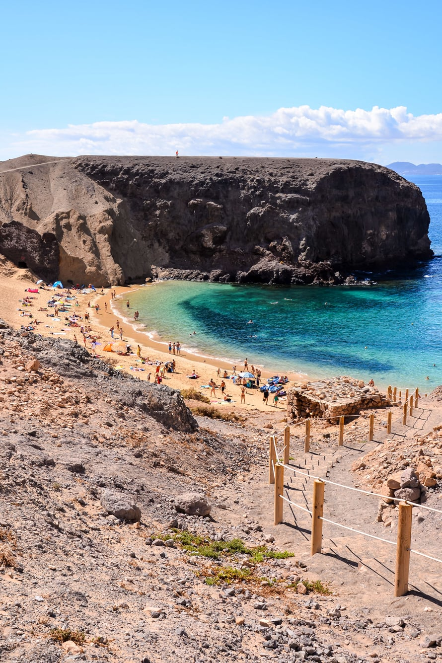 Playa Papagayo sijaitsee Lanzaroten saaren lounaiskärjessä.