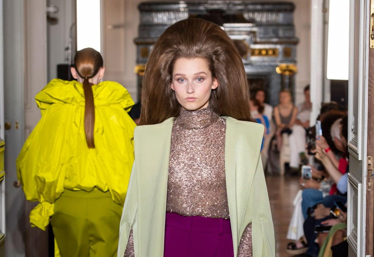 Tähän tyyliin tarvitaan ehkä vähän muutakin kuin hiuslakka ja tupeerauskampa. Kuva: ImaxTree