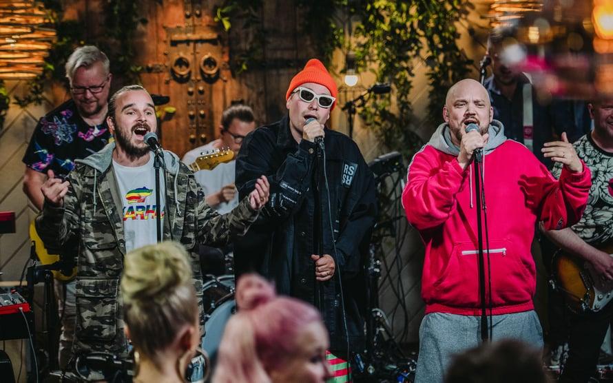 Pyhimyksen, Heikki Kuulan ja Volin Teflon Brothers perustettiin vuonna 2006. Vain elämää -kaudella 2018 he esittivät Perutaan häät -biisin. Kuva: Nelonen