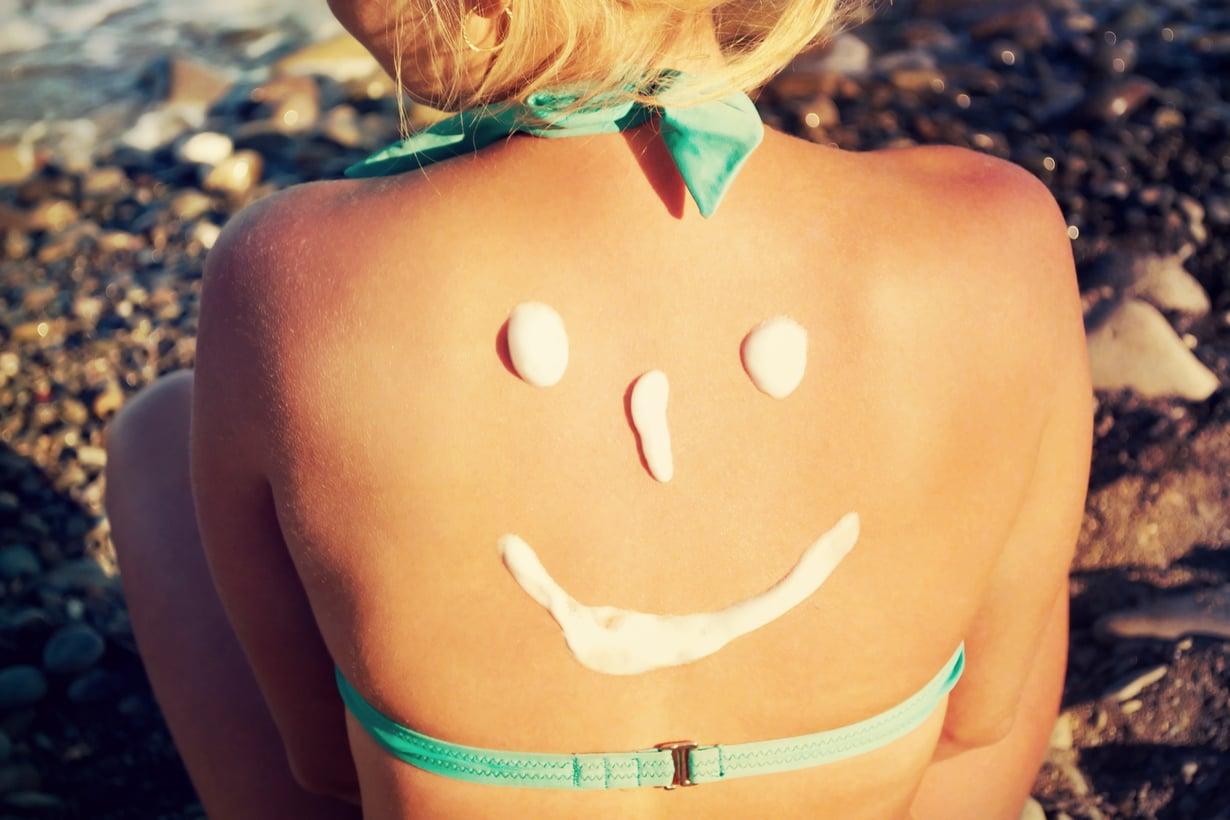 Aurinkorasvaa kannattaa läträtä runsaasti. Kuva: Shutterstock