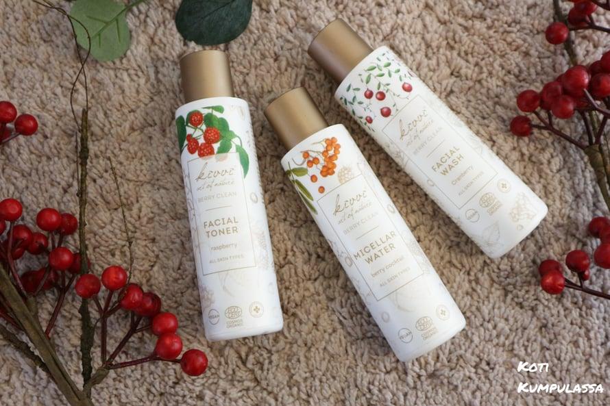 Hurmaavan tuoksuinen ja tehokas kolmikko* ihon puhdistukseen.