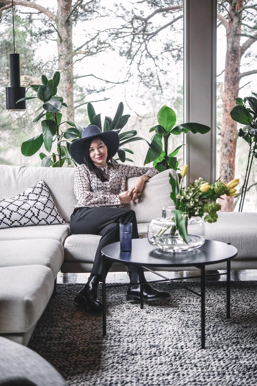 Annaleena asuu perheineen 60-luvun rivitalossa Espoossa.