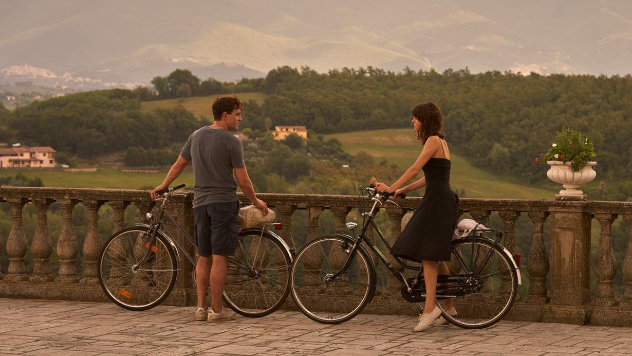 Mariannen ja Connellin tarinassa pääsee nauttimaan myös hulppeista maisemista.