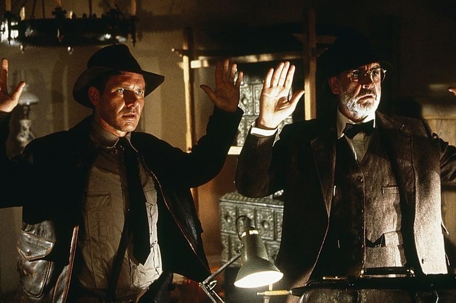 Ihan pojalta ja isältä näyttävät, mutta ikäeroa on vain 12 vuotta. Harrison Ford (vas.) näytteli Indiana Jonesia, Sean Connery hänen isäänsä.