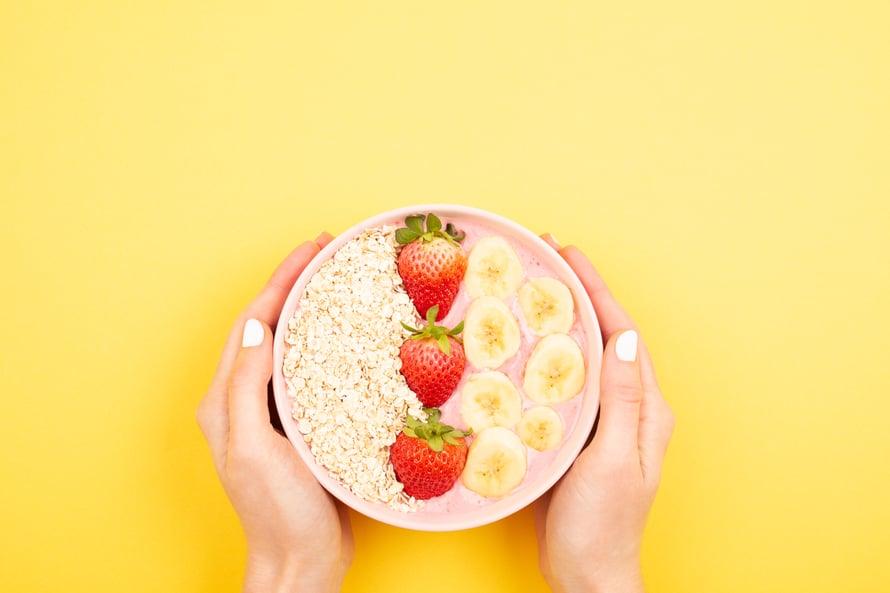 """Lähtikö nälkä oikeasti? Selkeät, säännölliset ateriat auttavat syömään tietoisesti. Kuva: <span class=""""photographer"""">Shutterstock</span>"""