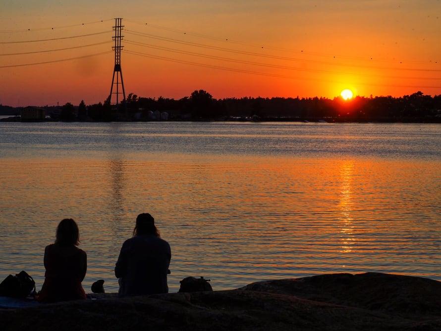 Myös auringonlaskut tarkoittavat ikigaita minulle. Nämä kuvat on otettu Helsingin Hietaniemen rannoilla.