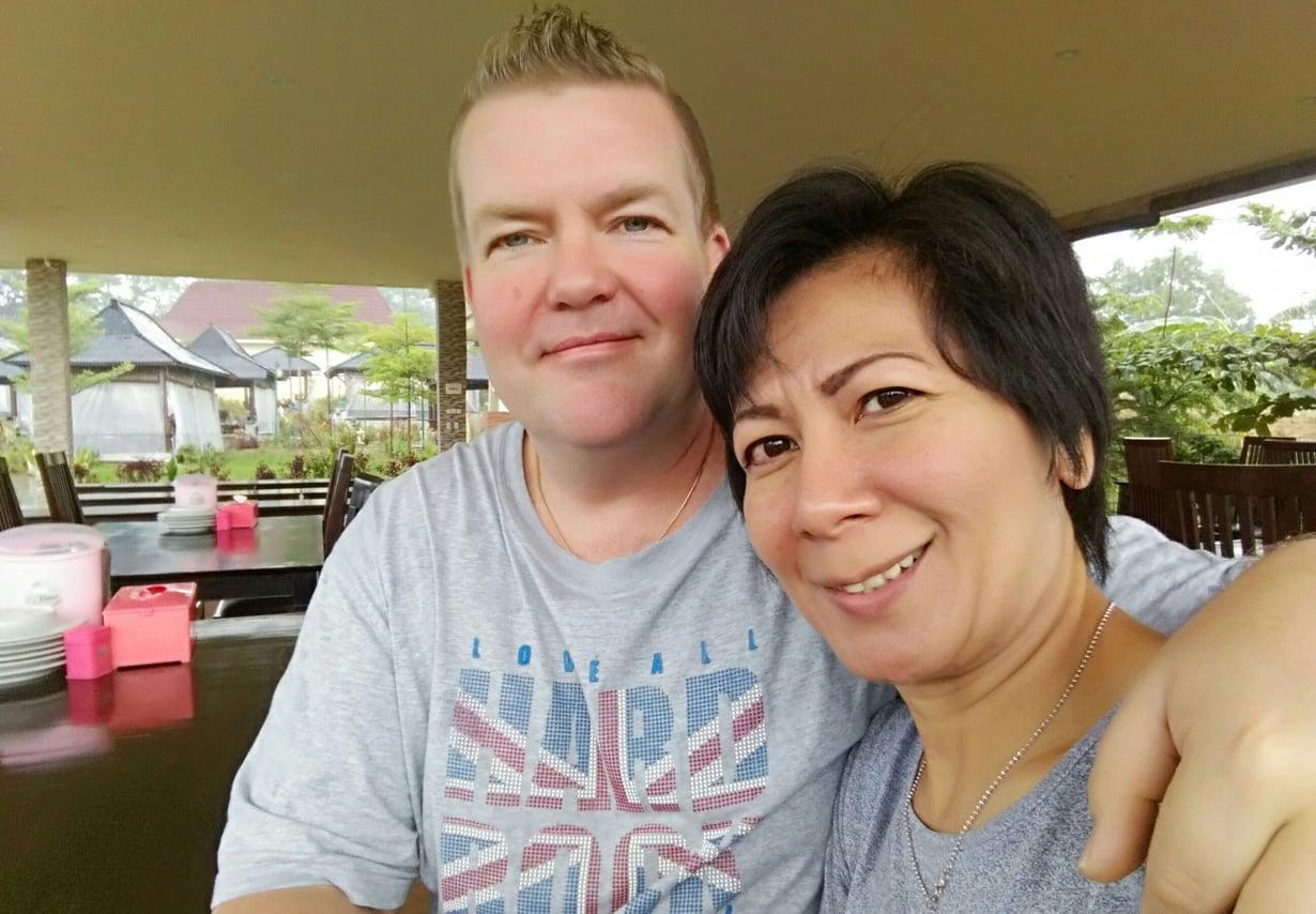 Tom ja Riris Hietaharju ovat olleet naimisissa nyt viisi vuotta.