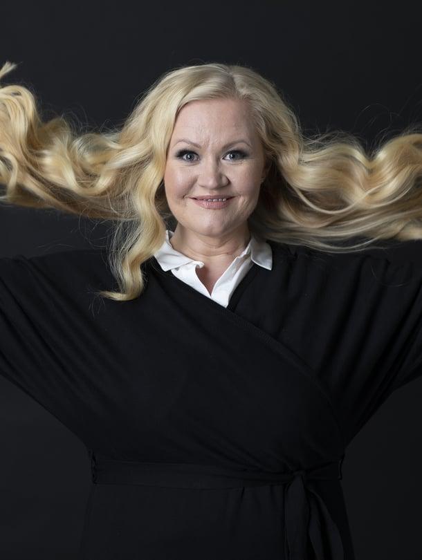 Lotta Backlund on Me Naisten uusi kolumnisti.