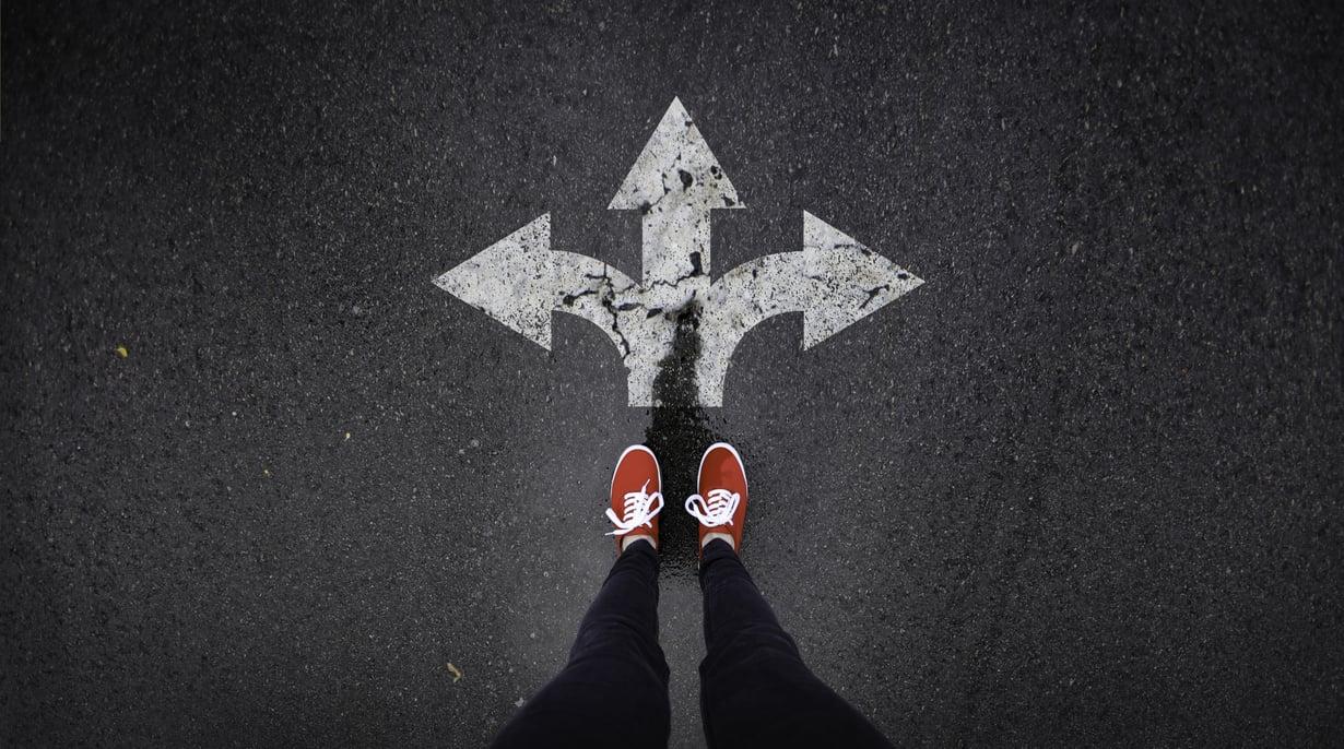 Erota vai jatkaako yhdessä? Harkinta-aika kannattaa käyttää aidosti kysymykse pohtimiseen.