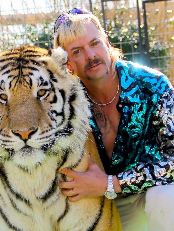 Tiger King kertoo Joe Exoticistä, joka omisti pitkään yli 200 eksoottisen kissan villieläintarhan.
