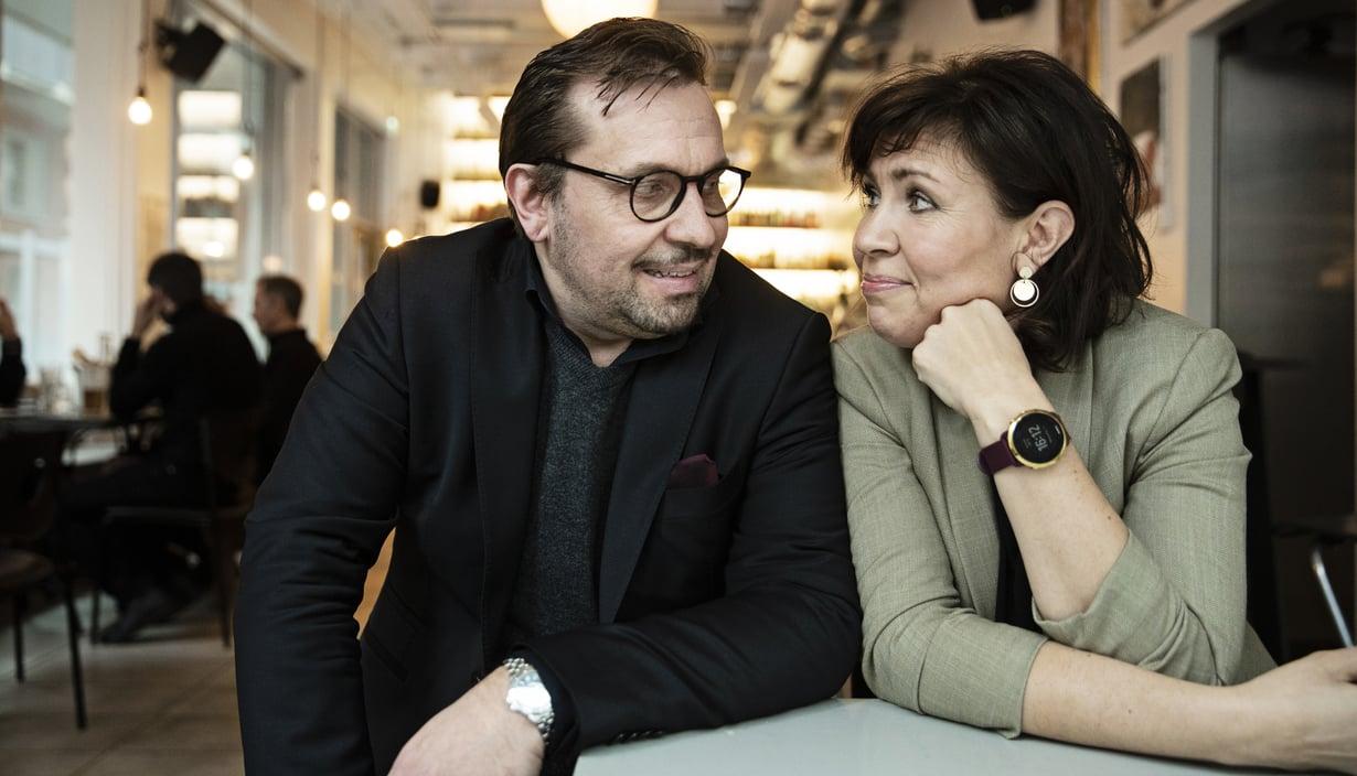 Janus ja Anna Hanski ovat jo vuosia kiertäneet Suomea yhdessä suosituilla duo-laulukeikoilla. Anna Hanski sai keskiviikkona tietää olevansa yksi koronavirusta sairastavista suomalaisista.