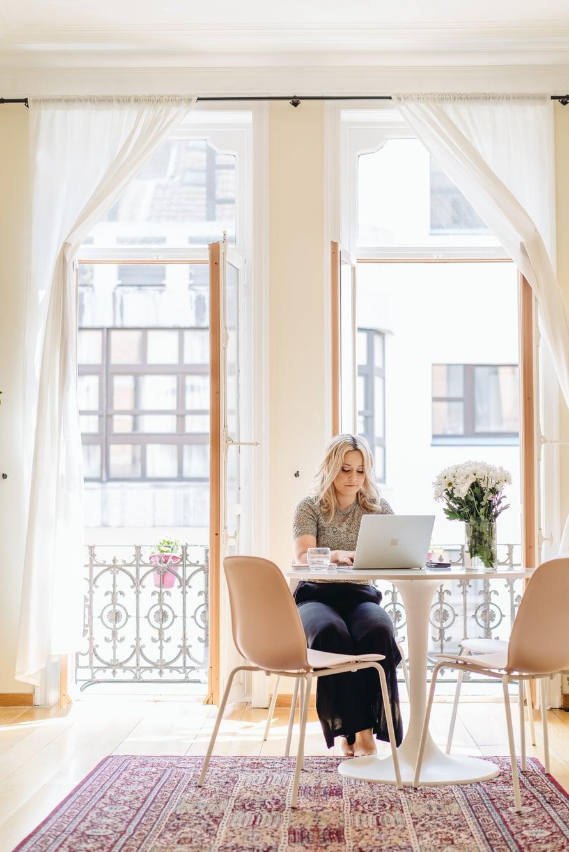 """""""Kotini on kyllä kaunis"""". Brysselissä asuntojen vuokrat ovat Helsinkiä edullisemmat."""