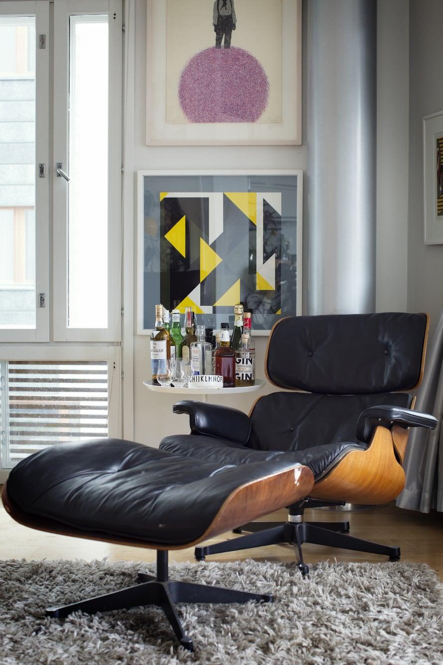 Vitran Eames Lounge -nahkanojatuoli näyttää ikääntyessään aina vain paremmalta. Kuva: Pia Inberg
