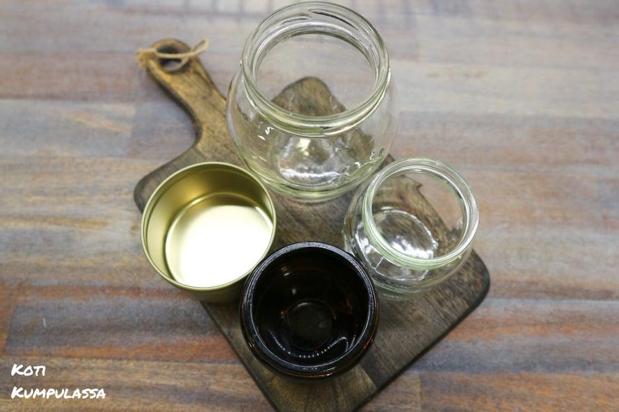 Kannattaa ruveta säästelemään kaikenlaisia metalli- ja lasipurkkeja kynttiläntekoa silmälläpitäen.