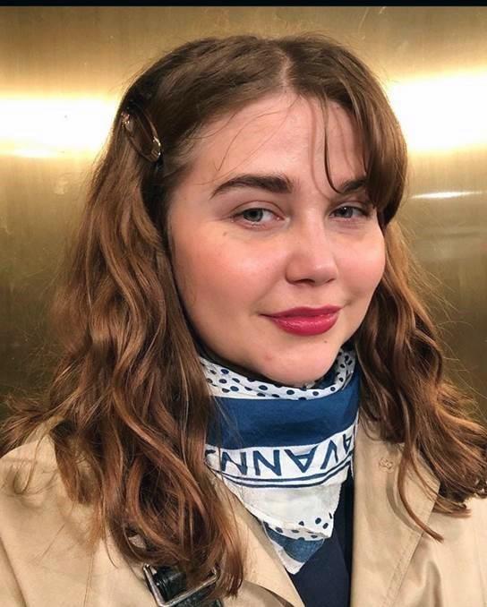 Laura Ekholm, 29,  työskentelee asiantuntijatehtävissä valtionhallinnossa. Hän aloitti säästämisen heti lukion jälkeen.