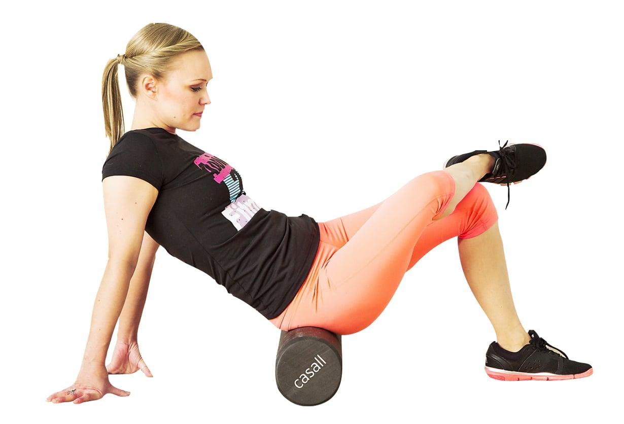 Lihakset voi käydä rullalla läpi vaikka päivittäin. Hyvä kerta-annosa on 10 perusteellista rullausta lihasta kohden. Kuvat: Päivi Heiskanen
