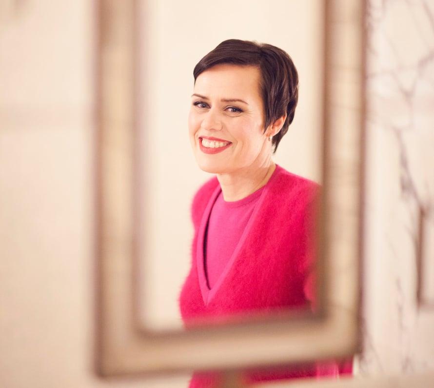 """""""Syöpähoitojen aikana päätin taistella, jotta lapseni eivät jäisi ilman äitiä. Nyt olen saanut lisää syitä elää. Haluan nähdä lapsenlapseni kasvavan"""", uuden rakkauden löytänyt Maarit Feldt-Ranta sanoo. Kuva Liisa Valonen"""