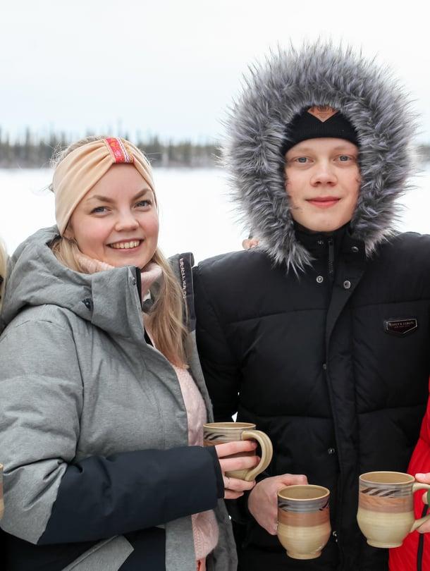 Neljä somen aktiivikäyttäjää reissasi Kanadaan kokeilemaan elämää ilman puhelinta.