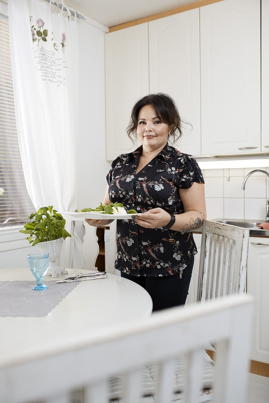 """""""Ihannepainoni olisi vielä muutaman kilon alempi, mutta en välitä siitä. Olen terve ja hyväkuntoinen"""", Tanja sanoo."""
