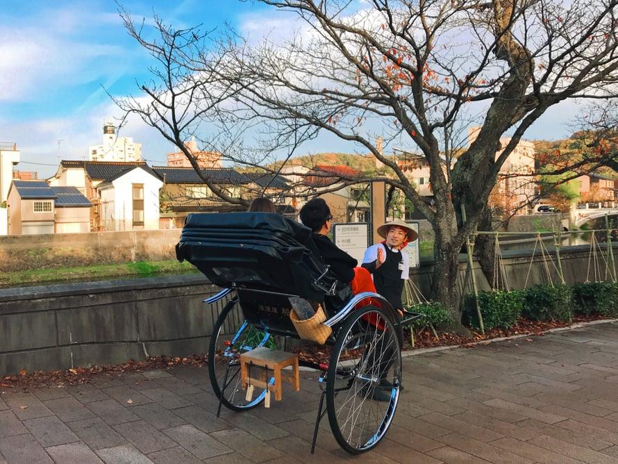 Kazuemachin kiertoajelua perinteiseen tyyliin.