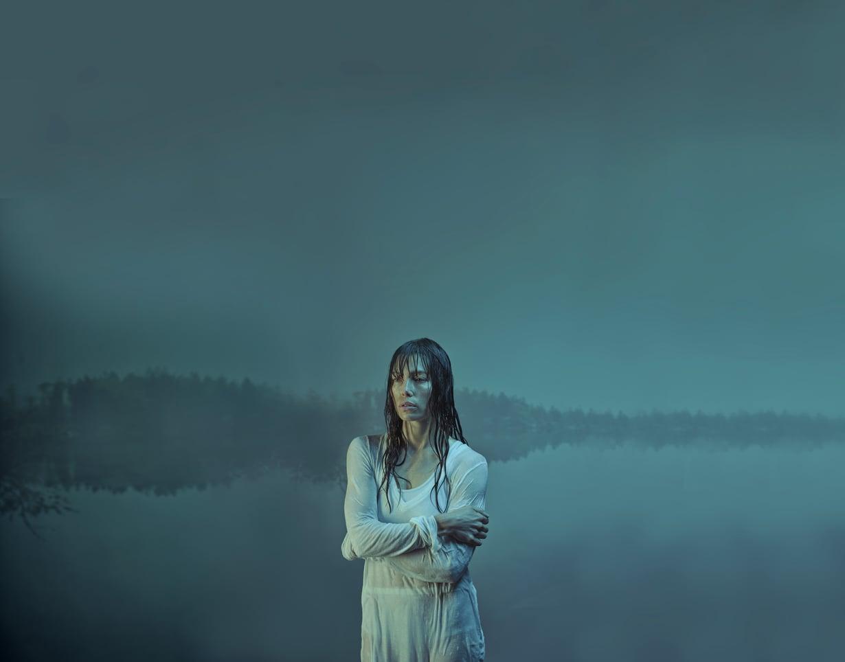Jessica Bieliä ei nähdä enää ruudussa Syntinen-sarjan toisella kaudella, sillä uusi kausi tuo mukanaan uuden tarinan. Biel on edelleen mukana sarjan vastaavana tuottajana. Kuva: Ylen kuvapalvelu
