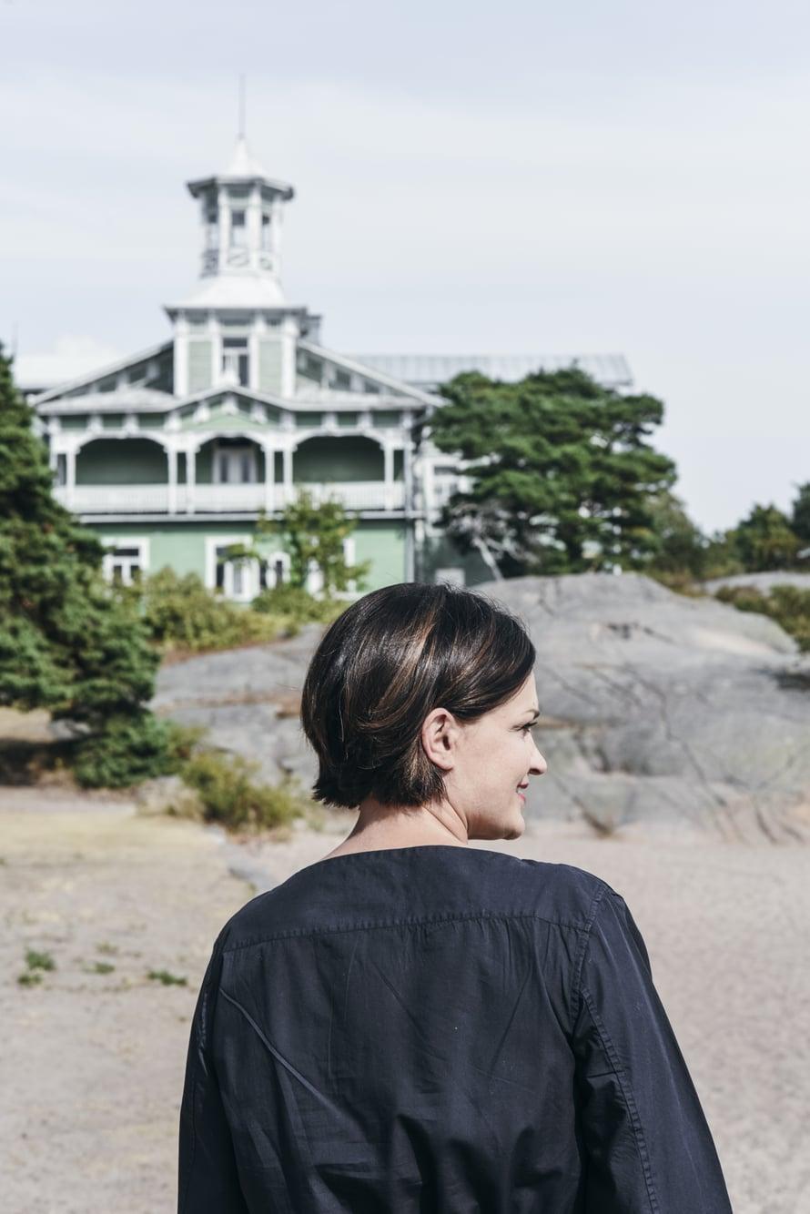 Saara Kankaanrinta asuu perheineen Hangossa. Perhe halusi luonnon ja meren läheisyyteen.