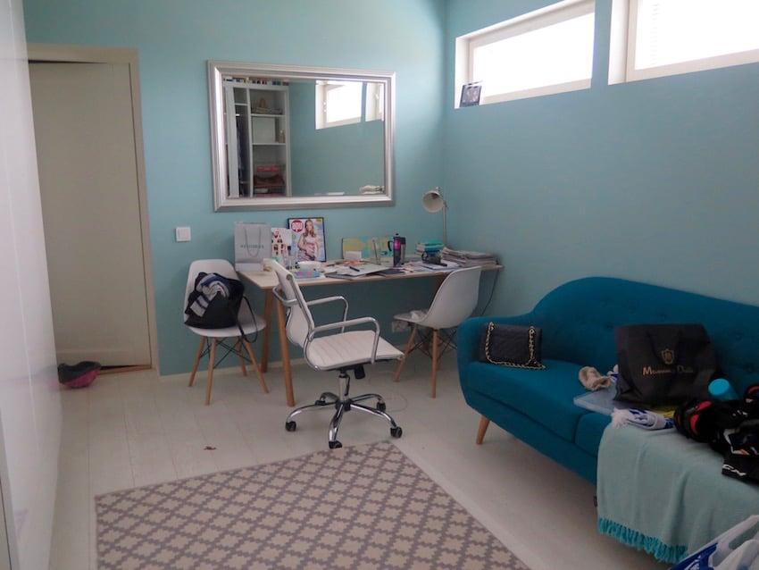 Työhuone, jonka piti olla aina siisti, kun sain kunnon tilat.