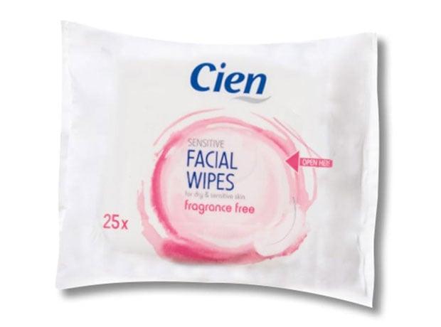 Cienin meikinpuhdistusliinoja on saatavilla sekä normaalille että herkälle iholle, n. 1,50 €.