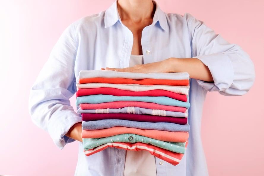 Onko tänään kirjo- vai valkopyykkipäivä? Se on pyykinpesun tärkein kysymys!