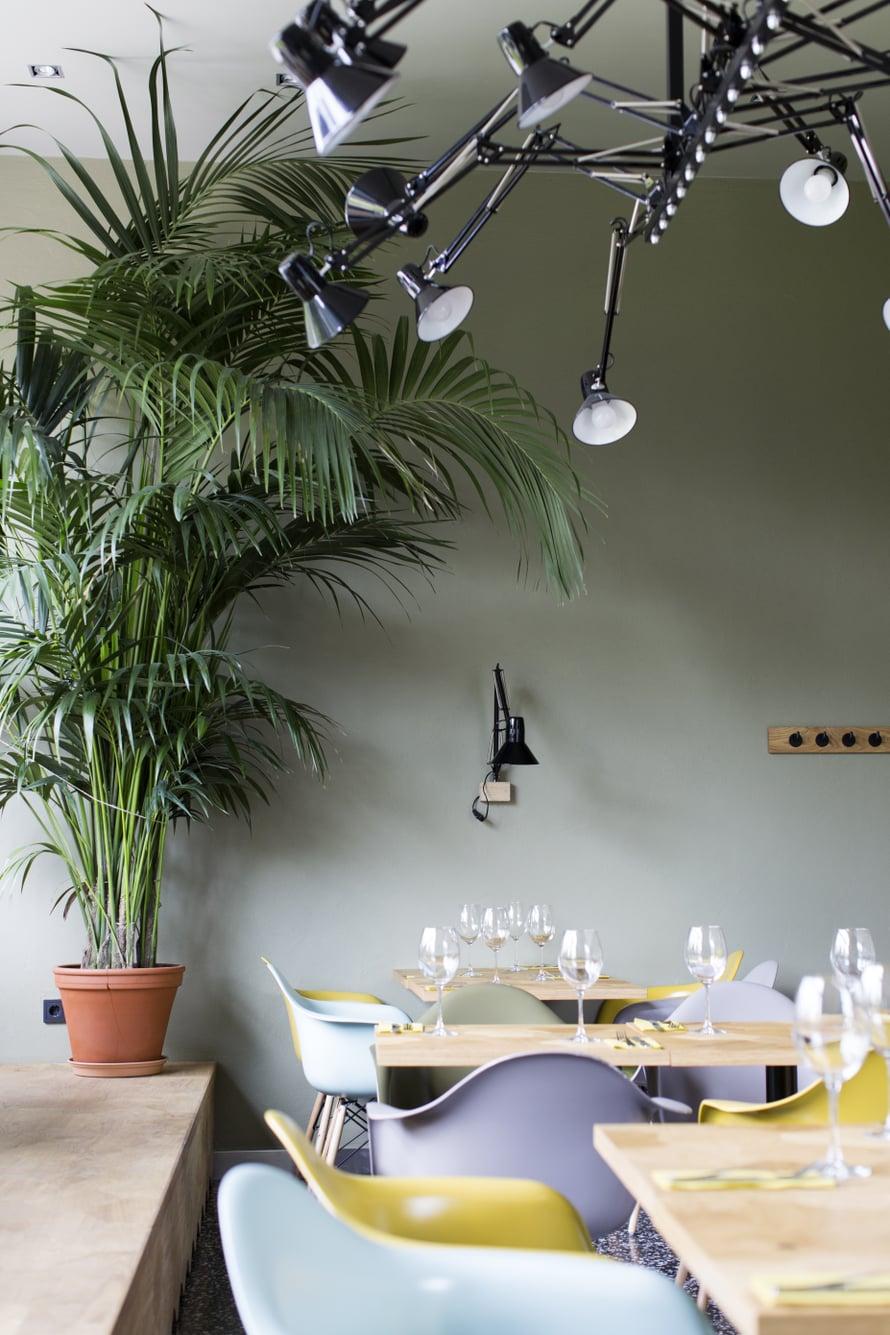 Pegasuksen tuolit ovat suloisen retrohenkiset. Kuva: Sanoma-arkisto / Heli Blåfield