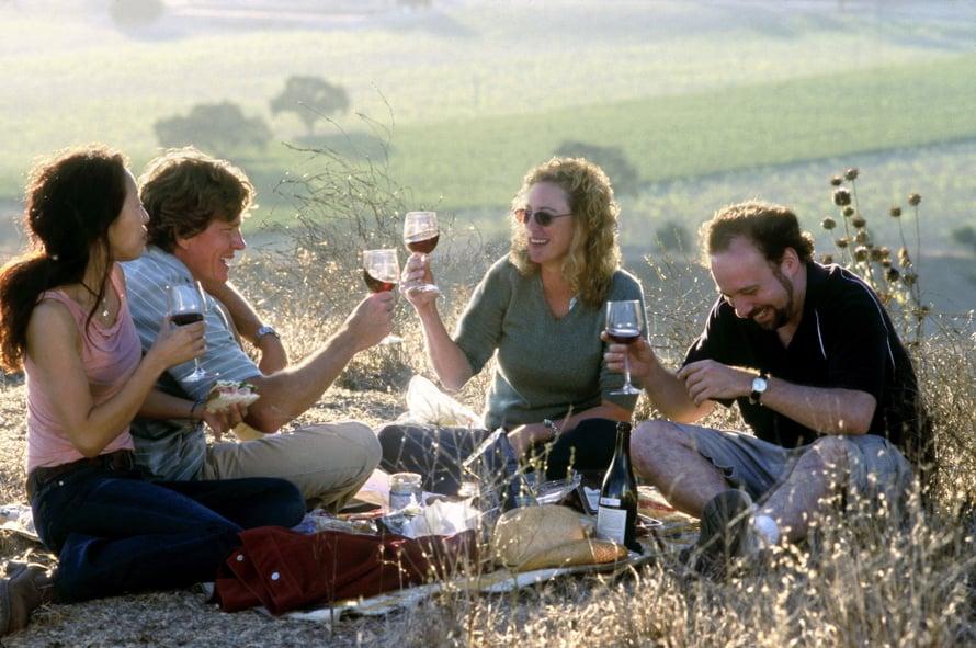 Kippis ja kulaus! Tätä leffaa ei kannata katsoa ilman viinilasillista.