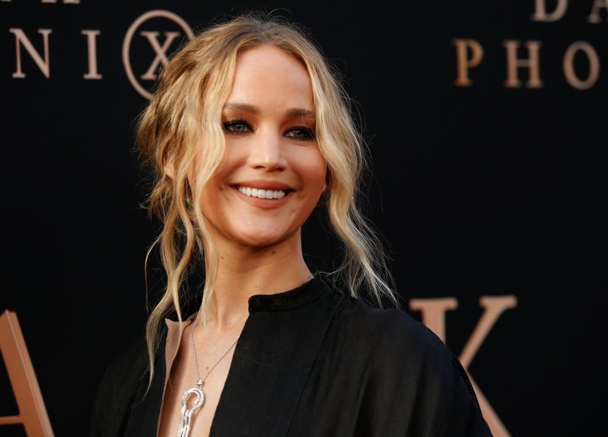 Näyttelijä Jennifer Lawrence on ottanut lämpimän hunajanvaalean sävyn omakseen.