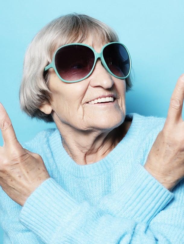 Harmaat kutrit eivät aina vastaa henkistä ikää!