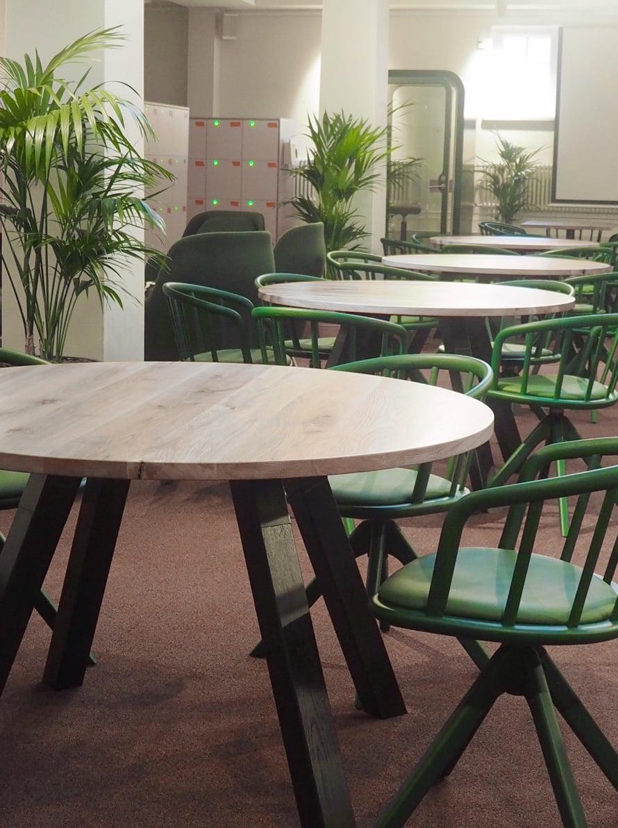 Minkä pöydän valitsisi?
