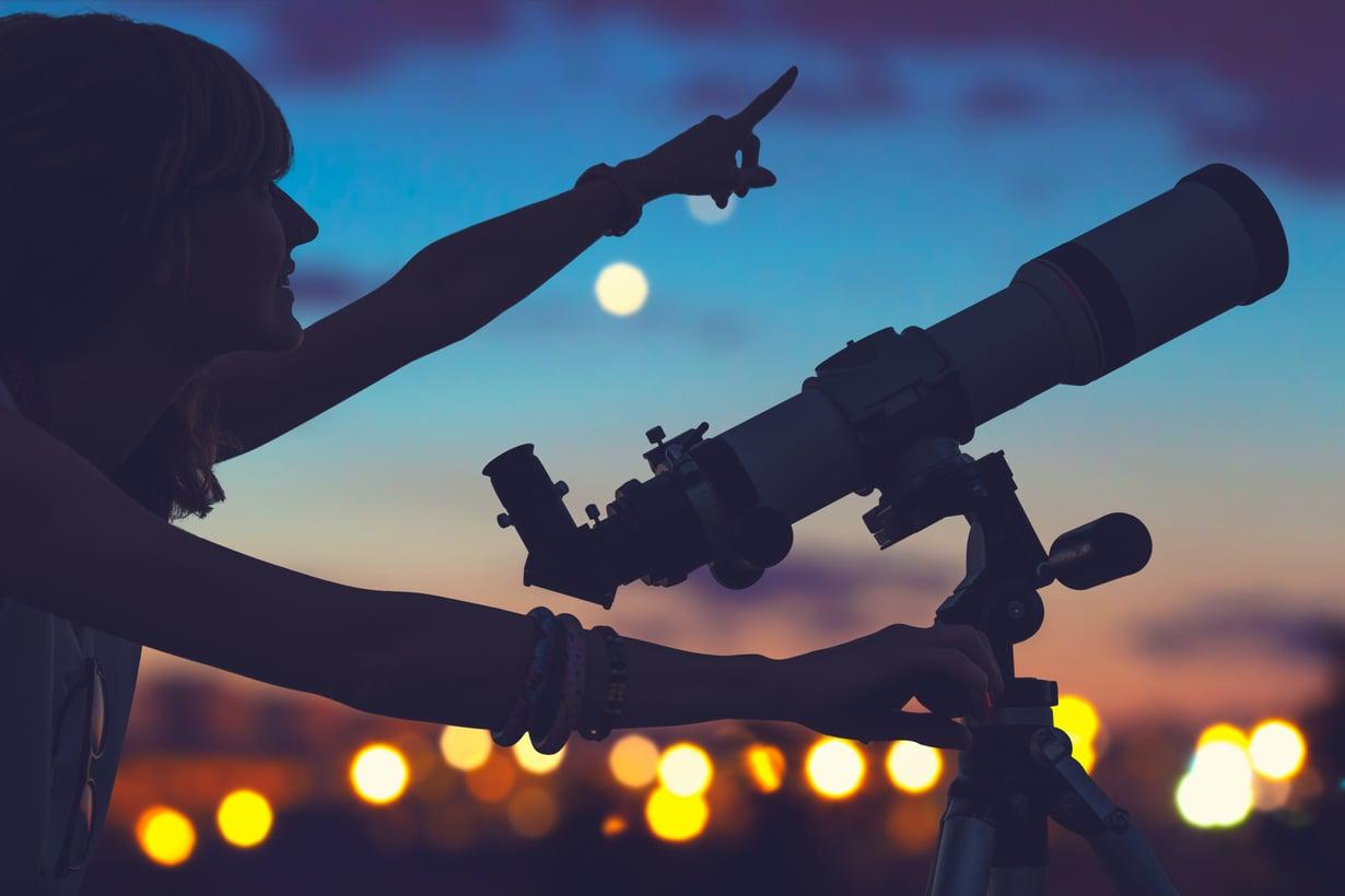 Löytyykö rakkaus tulkitsemalla taivaankappaleiden liikeitä? Kuva: Shutterstock