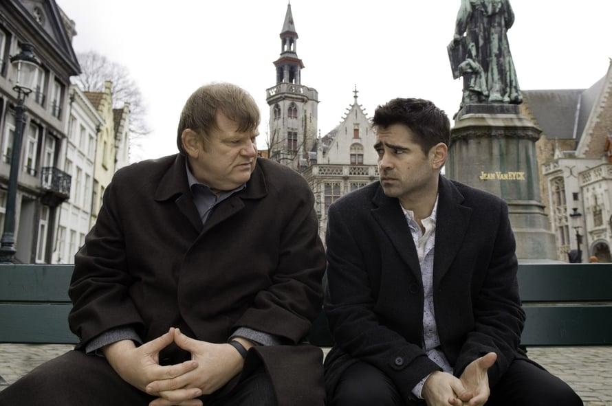 """Mitä käy, kun kaksi gangsteria lähetetään """"lomalle""""? Brendan Gleeson ja Colin Farrel näyttelevät pääosia Kukkoilijat-elokuvassa."""